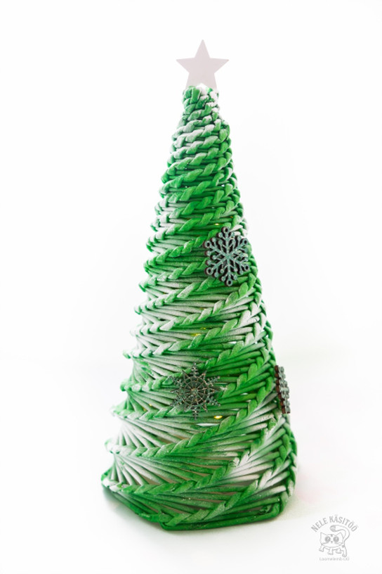 Christmas tree from paper tubes